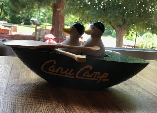 Zu sehen ist das Logo vom Canu Camp in Münster.