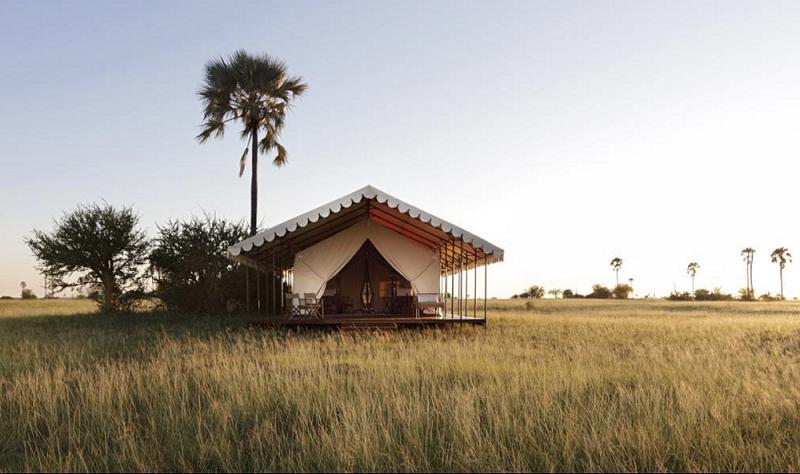 Zu sehen ist eine mögliche Unternkunft im Zelt auf einer Reise mit sinclairs africa.